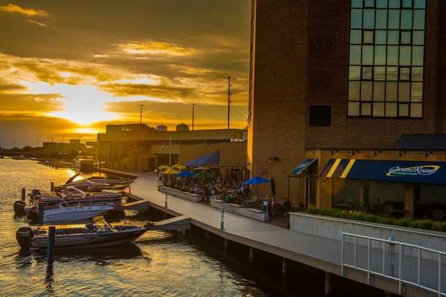 What makes Oshkosh Wisconsin a perfect place to visit
